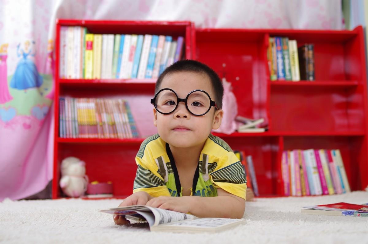 Nyelvtanulás gyermekkorban: milyen korán érdemes kezdeni?